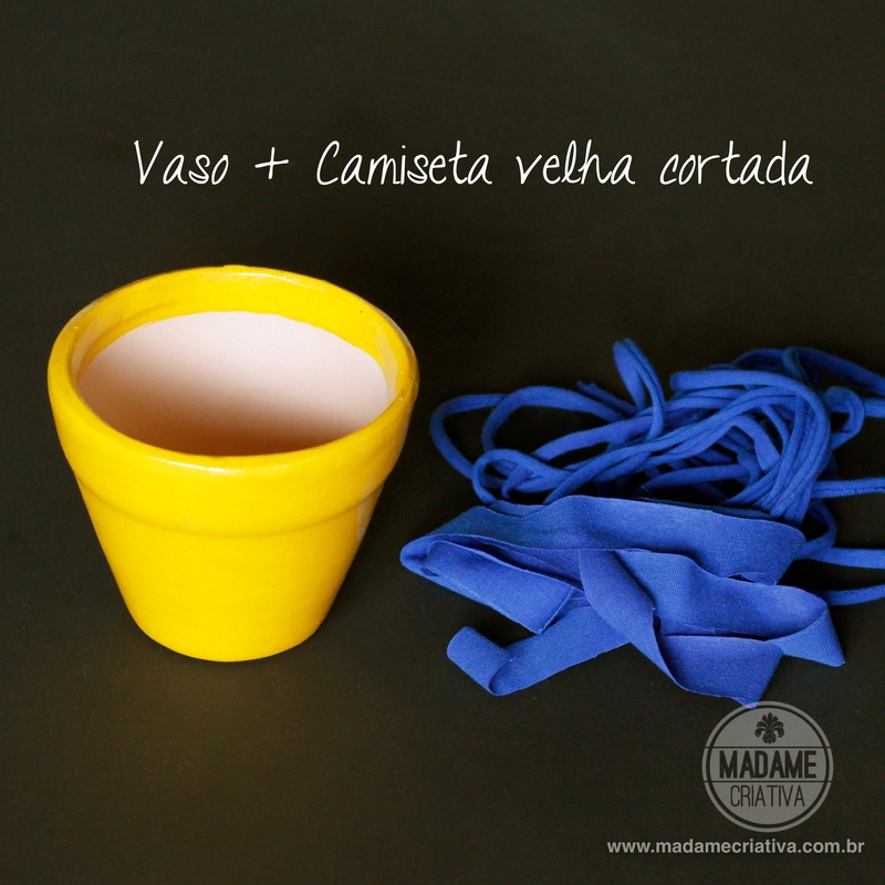 Como fazer vasos pendurados com tiras de malha -  Passo a passo com fotos - How to make a support for vases using fabric strips - DIY tutorial  - Madame Criativa - www.madamecriativa.com.br